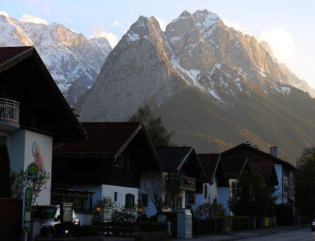 Garmisch-Partenkirchen intr-o zi de primavara (Bavaria, Germania)
