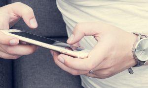 Calator in lumea digitala – Ce aplicatii de telefon imi usureaza calatoriile