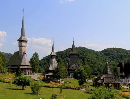 Calator in Romania: Maramures – Manastirea Barsana, Memorialul Durerii si Sapanta
